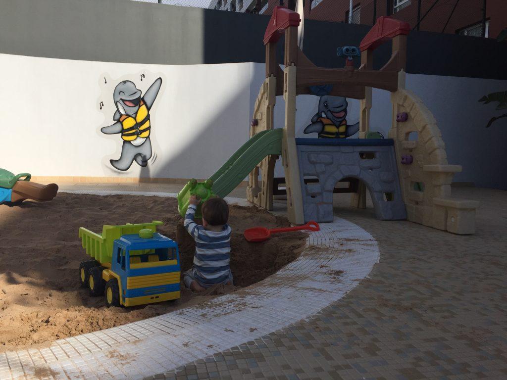 Kindvriendelijk Tenerife miniclub zandbak