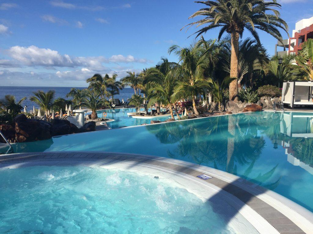 Kindvriendelijk Tenerife zwembad bubbel bad