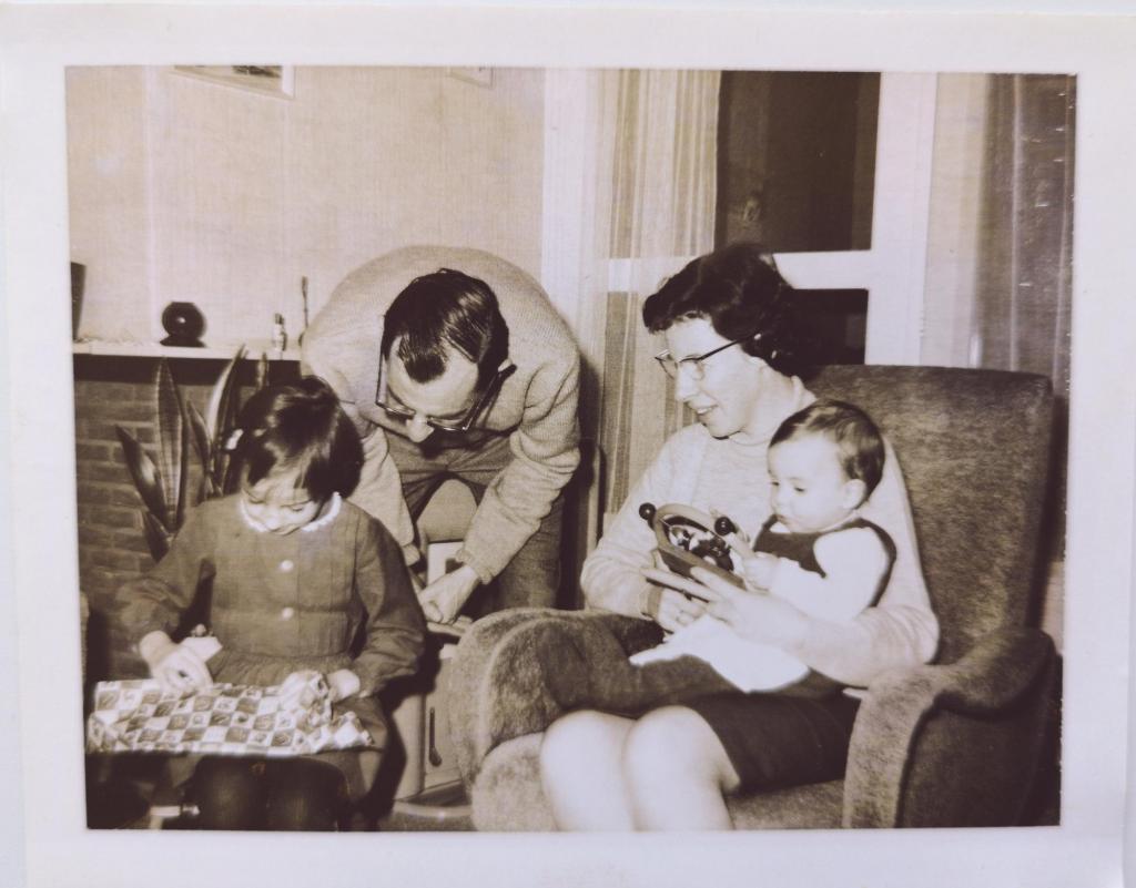 Mama zijn: zwart wit foto gezin van vroeger