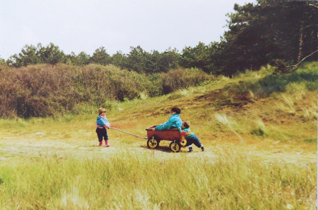 Mama zijn: Gerdine en Marijn duwen de bolderkar
