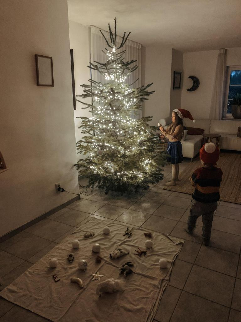 Kerst met kinderen kerstboom